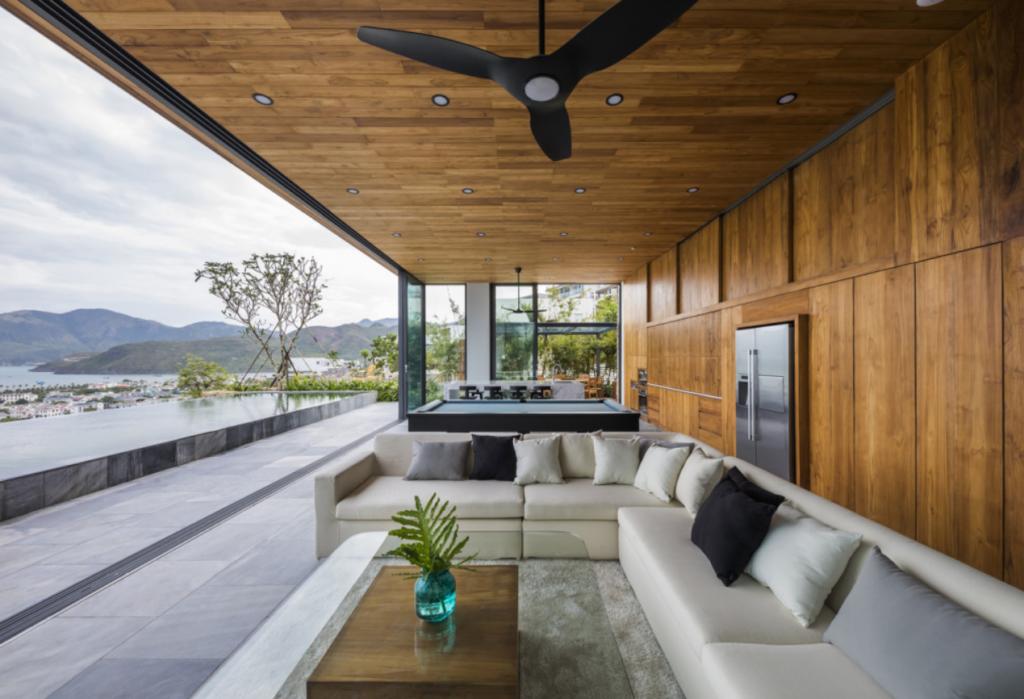 Nội thất bên ngoài của căn biệt thự gỗ Timber giúp bạn thoải mái nghỉ ngơi