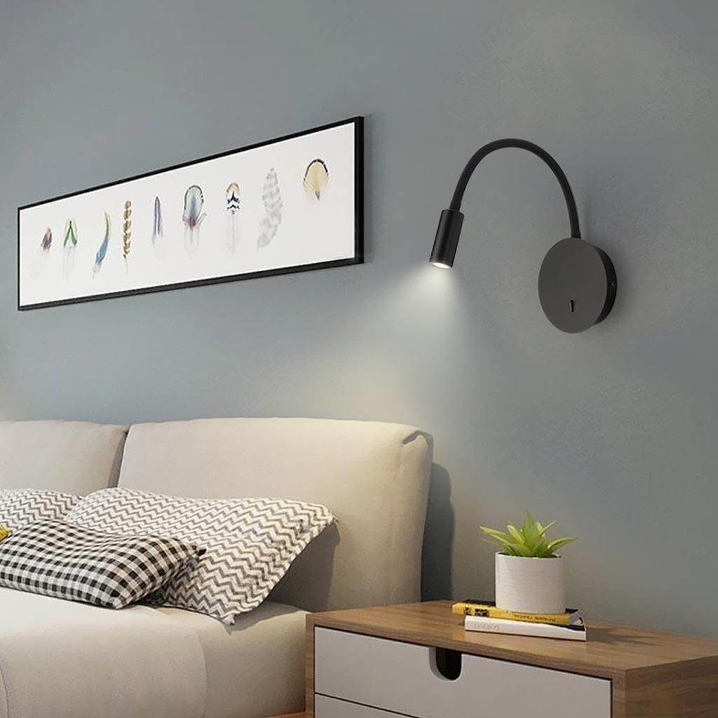 Ánh sáng từ các loại đèn trong phòng ngủ không cần quá sáng, bạn chỉ nên dùng các loại ánh sáng nhẹ nhàng, ấm áp và thiết kế căn phòng ngủ lấy được nhiều ánh sáng tự nhiên nhất có thể