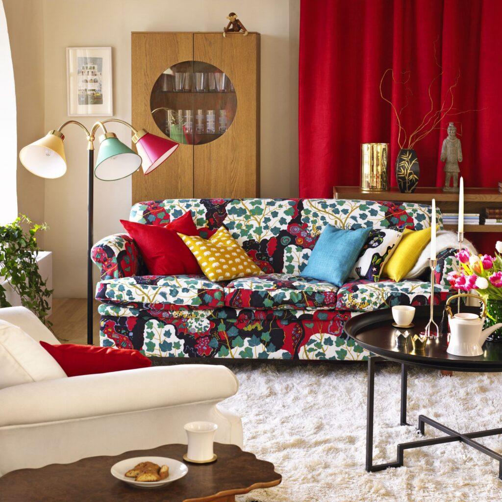 Sử dụng các màu sắc táo bạo để trang trí cho căn phòng khách đặc biệt