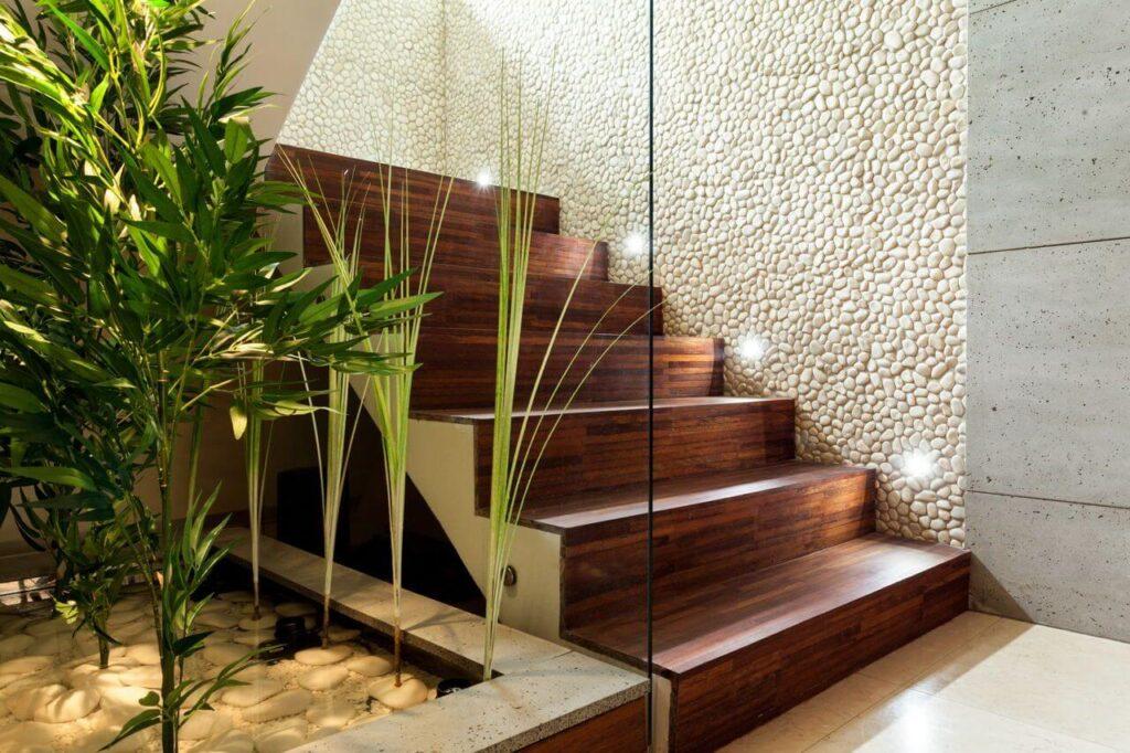 Lựa chọn các chất liệu phù hợp và nổi bật giúp cầu thang của bạn sang trọng hơn
