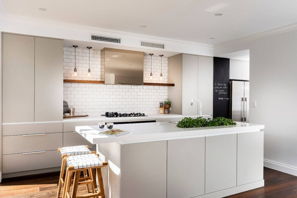 Không gian bếp mở giúp tối ưu hóa các tiện nghi. (Ảnh sưu tầm)