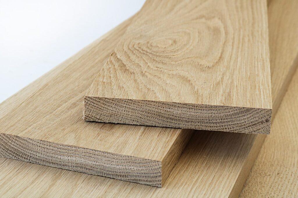 Gỗ sồi trắng có độ bền cao nên được sử dụng để làm đồ nội thất trong và ngoài nhà. (Ảnh sưu tầm)