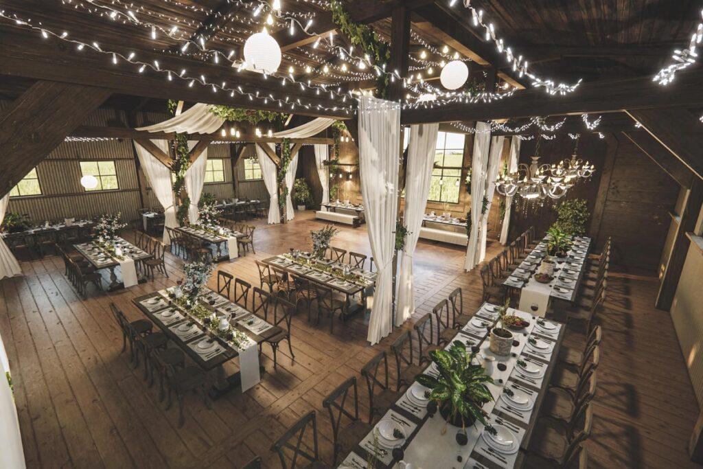Lễ cưới được bài trí theo phong cách Rustic Wedding