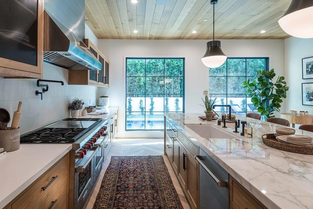 Tùy từng hướng nhà khác nhau mà có hướng phòng bếp tương ứng, hỗ trợ mang lại những vận khí tốt lành