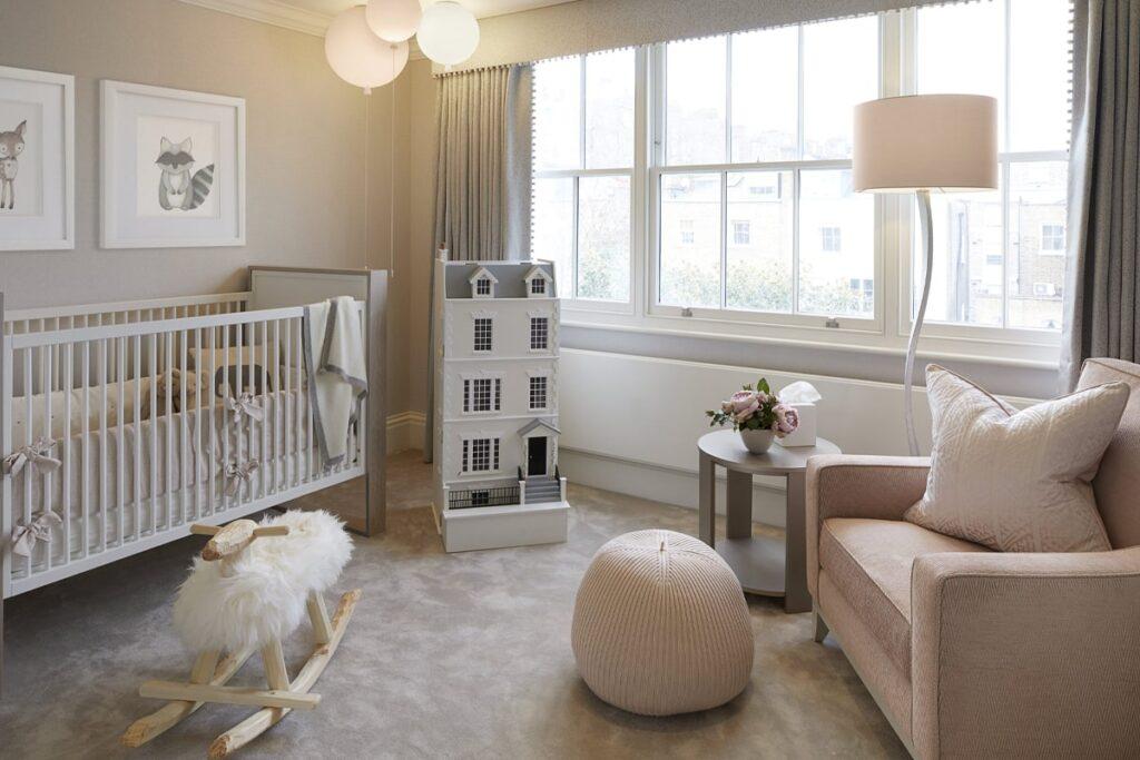 Đèn ngủ là vật dụng được ưa chuộng trong phòng ngủ của các bé