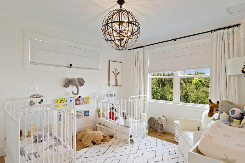 Phòng ngủ màu trắng hợp với các bé mang mệnh Kim