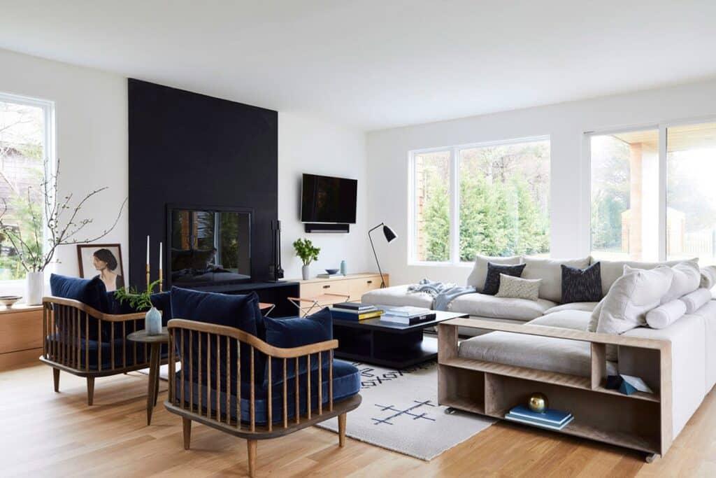 Hướng phòng khách phải hợp với mệnh của gia chủ thì vượng khí mới tốt