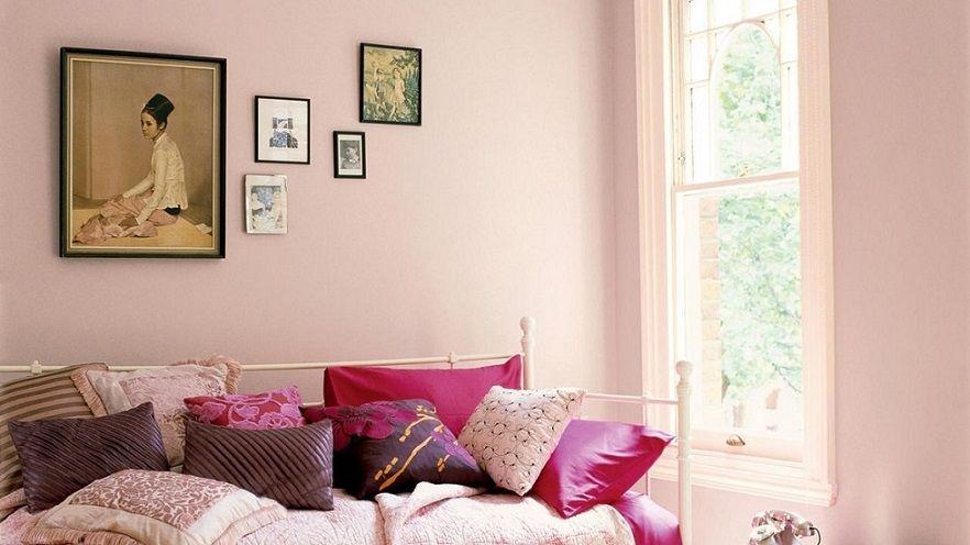 Tone màu hồng thể hiện sự nhẹ nhàng, dễ chịu, thoải mái cho các thành viên trong gia đình