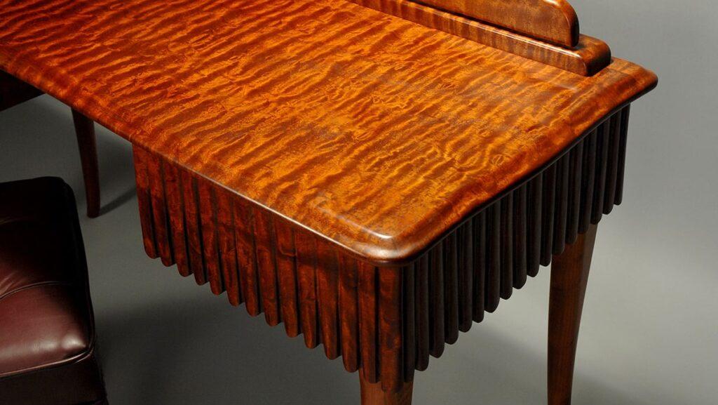 Đồ nội thất gỗ gụ ít khi xảy ra hiện tượng mối mọt. (Ảnh sưu tầm)