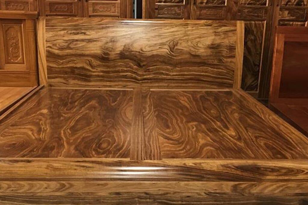 Gỗ hương xám có chất gỗ xốp đặc trưng. (Ảnh sưu tầm)