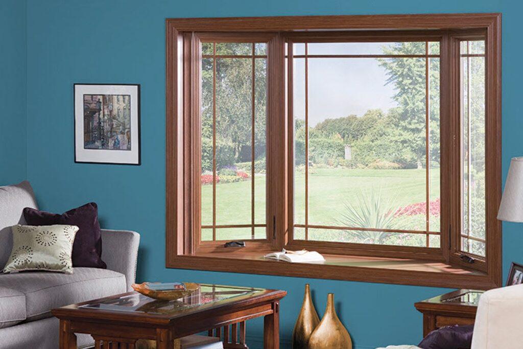 Cửa sổ được thiết kế hợp phong thuỷ bằng chất liệu gỗ. (Ảnh sưu tầm)