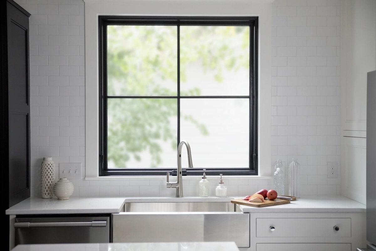 Cửa sổ 1 cánh được đặt ở những vị trí không quan trọng trong nhà. (Ảnh sưu tầm)