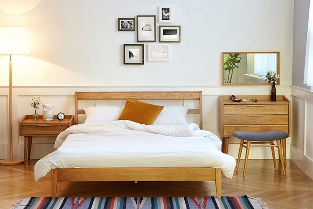 Tủ đầu giường vừa vật trang trí vừa là nơi lưu trữ đồ đạc. (Ảnh sưu tầm)